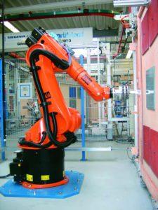 Промышленные роботы на заводе SIEGENIA